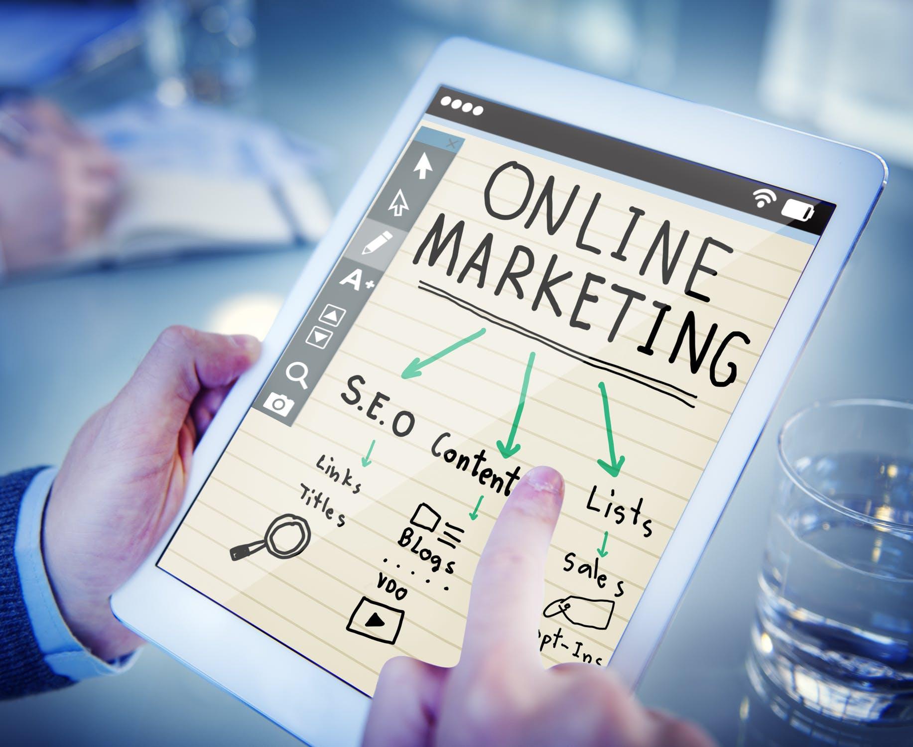 Online Marketing Influencer